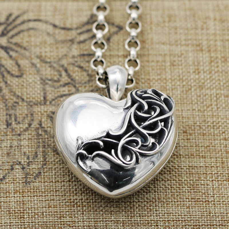Antique silver Buddah Heart on Silver plate necklace 830  Valentines love